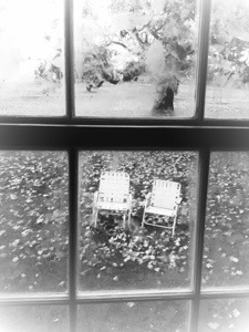 vacant lawn chairs