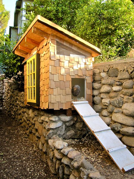 I found this rustic chicken coop sided in cedar shakes at www.theartofdoingstuff.com. I fell in love with it and even pinned it to one of my pinterest boards.