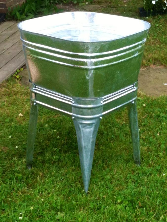 galvanized laundry tub